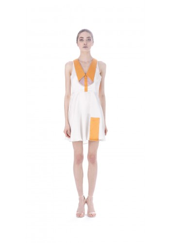 Short dress with collar element