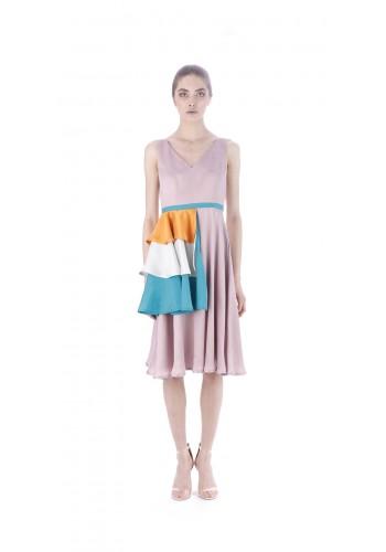 Midi dress with hip element